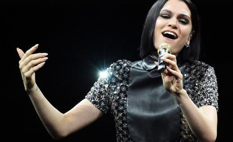 Jessie J colapsa el internet con cover de Whitney Houston